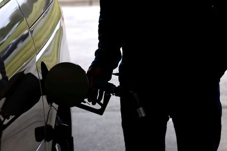 U.S. gasoline shortage eases, but pumps still dry in some areas